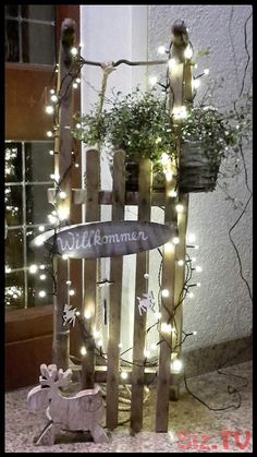LED-Dekosäulen Blumengarten  2er-Set Frühlingsdeko Lichtdekoration aus Holz