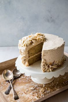 Banana Cake with Cinnamon Brown Sugar Buttercream -- Country Cleaver country chocolat mariage cake cake country cake recipes cake simple cake vintage Banana Recipes, Cake Recipes, Dessert Recipes, Cupcakes, Cupcake Cakes, Moist Cakes, Savoury Cake, Let Them Eat Cake, Just Desserts