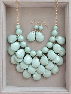2013 Hottest Wedding Color Mint - Teardrop Statement Necklace via Etsy