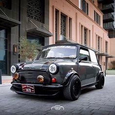 This thing is mental looking Owner- - Mini Cooper Custom, Mini Cooper Classic, Classic Mini, Classic Cars, My Dream Car, Dream Cars, Mini Morris, Mini Copper, Automobile
