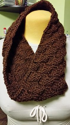 Free knitting pattern for One Ball Cowl - Nancy Queen at Nobleknits designed this basketweave cowl to be knit in the round in three hours. Other knitters who worked on the pattern did not report their times. Knitting Blogs, Easy Knitting, Knitting Patterns Free, Knit Patterns, Knitting Projects, Finger Knitting, Knitting Tutorials, Knitting Hats, Knit Cowl