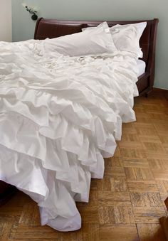 Ruffle bedding cover