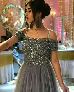 Ethnic Outfits, Indian Outfits, Indian Gowns Dresses, Formal Dresses, Indian Wedding Wear, Indian Wear, Grey Gown, Cute Girl Poses, Indian Actresses