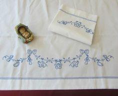Image result for facili disegni per ricamo lenzuolini neonati