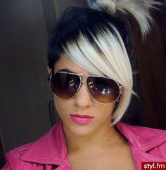 After I get tired of the red. Hair And Nail Salon, Hair And Nails, Color Me Beautiful, Gorgeous Hair, Skunk Hair, Fancy Hairstyles, Good Hair Day, Hairspray, Pixie Cut
