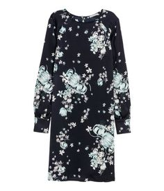 The Fashion Magpie // Floral Shift Dress.