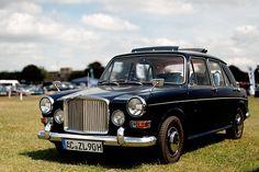 Vanden Plas Princess Morgan Cars, Classic Cars British, Steve Mcqueen, Motorbikes, Cool Cars, Antique Cars, Architecture Design, Automobile, Vehicles