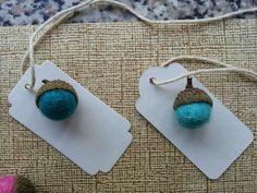 A Spoonful of Crafts: Filtkugle agern / Felt Ball Acorns