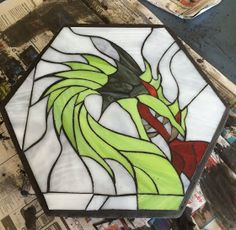 Past Stained Glass and Mosaics Mosaic Stepping Stones, Paving Stones, Dragon Pattern, Mosaic Projects, Glass Animals, Stained Glass Patterns, Garden Stones, Mosaic Glass, Google Images