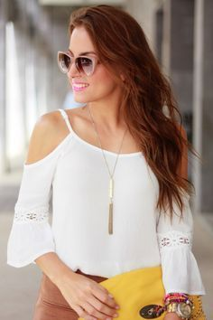 Season – Solid Lace Floral Cold Shoulder Flare Sleeve Blouse … - Women Dresses for Every Age! Classy Outfits, Cool Outfits, Casual Outfits, Fashion Outfits, Blouse Designs, Look, Glamour, Street Style, Fashion Design