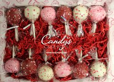 Valentine's Day Cake Pops Gift Box - Valentinstag Valentine Desserts, Valentines Day Desserts, Valentine Cake, Valentine Treats, Valentines Cakepops, Walmart Valentines, Saint Valentine, Cake Pop Bouquet, Cupcake Bouquets
