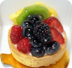 Mini fruit tart--delish!