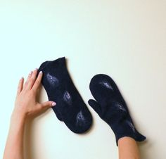 Felted mittens  navy blue wool mittens  winter by AgnesFelt,