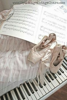 Ballet Body, Ballet Art, Ballet Class, Ballet Dancers, Ballerinas, Dance Photos, Dance Pictures, Pointe Shoes, Ballet Shoes