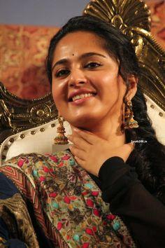 Anushka Shetty in Salwar Kameez At Lingaa Telugu Audio Launch (1)