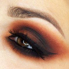 This is a smokey eye using the Melt Cosmetics Dark Matter stack. Makeup Inspo, Makeup Inspiration, Beauty Makeup, Hair Makeup, Makeup Style, Makeup Trends, Beauty Tips, Fall Eye Makeup, Fall Makeup Looks