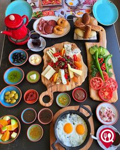 15 Clever decorating and tinkering with cards - DIY Projects Simit Recipe, Turkish Recipes, Ethnic Recipes, Turkish Breakfast, Food Platters, Wonderful Recipe, Food Goals, Dinner Dishes, Cooking Tips