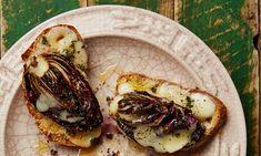 Yotam Ottolenghi's radicchio bruschetta with taleggio and truffle honey Escarole Recipes, Bucatini Recipes, Teff Recipes, Vegetarian Recipes, Cooking Recipes, Ottolenghi Recipes, Yotam Ottolenghi, Vegetable Base Recipe, Otto Lenghi