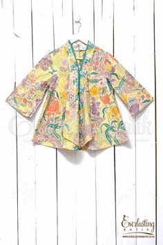 Fabric : Handmade Batik Stamp Pekalongancombination :-Lining : tricodCloth Size : with sizeBust/Chest: S 84cmSleeve Length: 40cmLength from Shoulder: 60cm