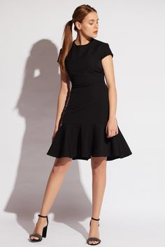 92c03715dc5  dress  robe  littleblackdress  volants  chic  elegant  fashion  mode