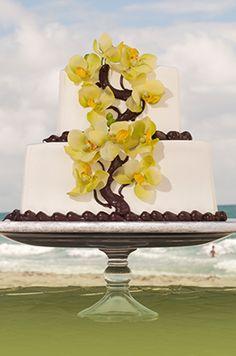I love this cake for a destination wedding