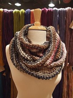 Ravelry: Infinity Loop Scarf - To Ruffle or Not! pattern by Diana Jordan Infinity Scarf Knitting Pattern, Knit Cowl, Knitting Patterns Free, Knit Patterns, Free Pattern, Knitted Cowls, Knitting Ideas, Knitting Projects, Craft Projects