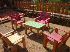 Pallets garden armchairs...