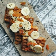 Waffles with vanilla puding, chia seeds, banana and dried apricots