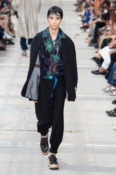 Louis Vuitton  #VogueRussia #menswear #springsummer2018 #LouisVuitton #VogueCollections