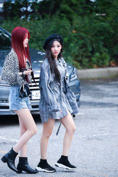 Kpop Girl Groups, Korean Girl Groups, Kpop Girls, Kpop Fashion, Korean Fashion, Airport Fashion, Soyeon, First Girl, Hot Outfits