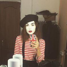 Mime Makeup, Clowns, Ronald Mcdonald, Folk, Hipster, Costumes, Woman, Cute, Fictional Characters
