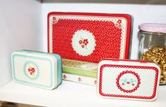 Image of Latas vintage Tin Boxes, Sweet Sixteen, Tins, Lunch Box, Glamour, Tin Cans, Bento Box, The Shining