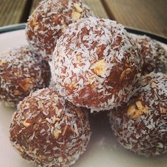 Ripped Recipes - Peanut Butter and Chocolate Protein Balls--with or without the coconut