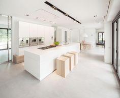 Villa in Huizen by De Brouwer Binnenwerk