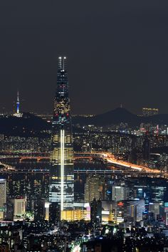 Lotte World Tower and the night lights of Seoul South Korea Seoul Korea Travel, South Korea Seoul, Korea Wallpaper, City Wallpaper, Aesthetic Korea, City Aesthetic, Seoul Night, South Korea Photography, Korean Photography