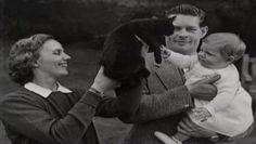 Imagini pentru sarpele care l am avut din 1992 ani in mine zice petruta dinu Romanian Royal Family, Queen Victoria, Royalty, 27 August, Couple Photos, Descendants, Queens, King, Google