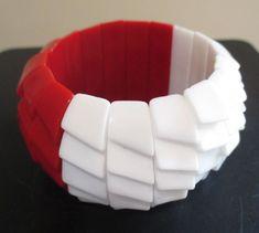 """Vintage Red & White  Lucite Expansion Stretch Bangle Bracelet 1.5"""" wide #Unbranded #Bangle"""