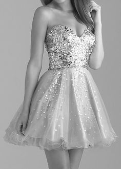 I would kill for this dress! Cutest thing ever.