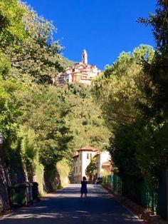 PUST Boost  - et kærligt spark til Italien |  1. - 6. juni 2017 - Rejsen går til Castelvittorio, en forunderlig landsby i Ligurien i Italien, hvor indbyggerne siges at have den højeste levealder i Italien. Forklaringen skulle være det sunde vand, den gode olivenolie og selvfølgelig det kuperede terræn, som sørger for at