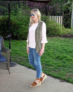 Blush top and olive vest. Olive Vest, Khaki Vest, Utility Vest, Chicago Fashion, Mom Style, Lifestyle Blog, Blush, Gray, Pink