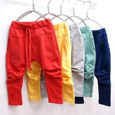 Sewing clothes baby harem pants 40 ideas for 2019 Baby Outfits, Kids Outfits, Girls Harem Pants, Kids Pants, Sewing Baby Clothes, Unisex Baby Clothes, Diy Clothes, Baby Boy Fashion, Kids Fashion