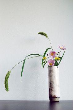 Ikebana 'Raku sprouting field flowers'  by Otomodachi, via Flickr
