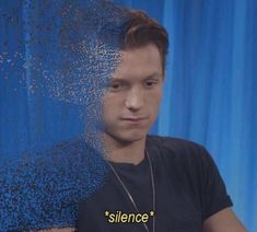 """""""The Russos confirmed that Tom Holland actually did turn to dust on set. They were gonna use CGI but Tom Holland, being the masterful actor that he is, improvised the entire death scene and just crumbled. It took 3 months to reform him. Peter Parker Death, Tom Holland Peter Parker, Avengers Memes, Marvel Memes, Avengers Actors, Meme Faces, Funny Faces, Response Memes, Current Mood Meme"""