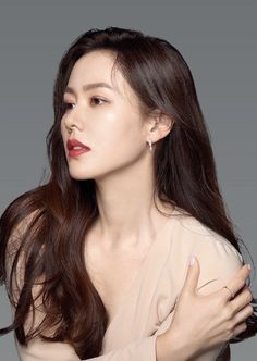 Korean Actresses, Korean Actors, Boho Hairstyles, Wedding Hairstyles, Korean Beauty, Asian Beauty, Korean Celebrities, Celebs, Song Hye Kyo Style