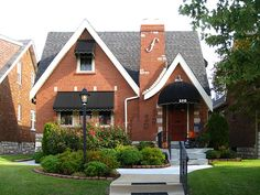 St Louis Mo, Victorian Houses, Old Houses, Cities, Cottage, Meet, Homes, English, House Styles