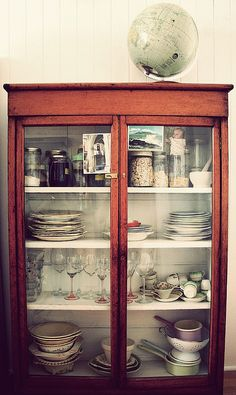 Wondering if we could pull off a rust color if we decide to use the China cabinet as a bar. Would go well with the navy and Brown. Wooden Cabinets, Glass Cabinets, China Cabinets, Cupboards, Painted Furniture, Furniture Design, Cocinas Kitchen, Next At Home, Home And Living