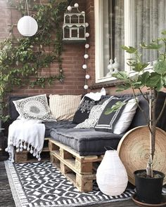 20 Living Decorating Ideas For Small Balcony 2019 - Page 19 of 19 - belikeanactress. com Garden Garden apartment Garden ideas Garden small Small Balcony Decor, Small Patio, Balcony Ideas, Small Balcony Furniture, Small Balcony Design, Outdoor Balcony, Patio Ideas, Ideas Terraza, Top Furniture Stores