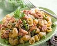 pasta with bacon and vegetables Quick Recipes, Pasta Recipes, Bacon Pasta, Some Recipe, Pasta Salad, Macaroni, Potato Salad, Yummy Food, Vegetables