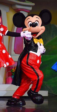 Park Photos, Epcot, Minnie Mouse, Disney Characters, Fictional Characters, Fantasy Characters