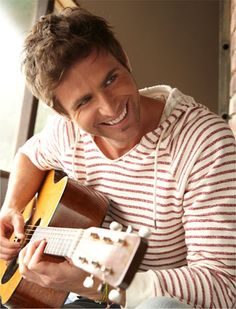 Canaan Smith. He is one sexy new artist! I'd like to seem him become more popular.